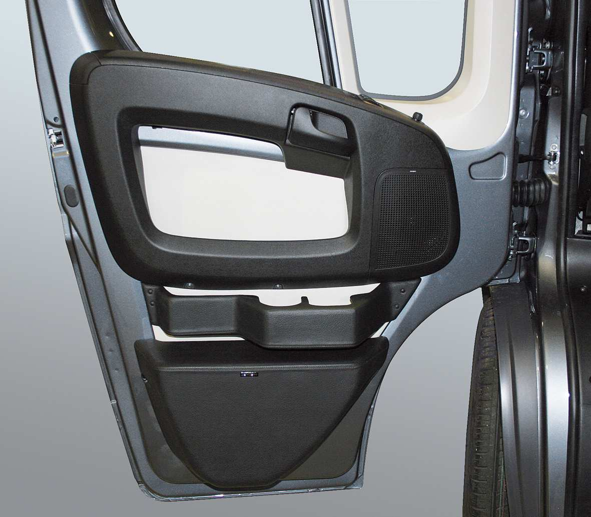 fiat ducato lll subwoofer system driver s side. Black Bedroom Furniture Sets. Home Design Ideas