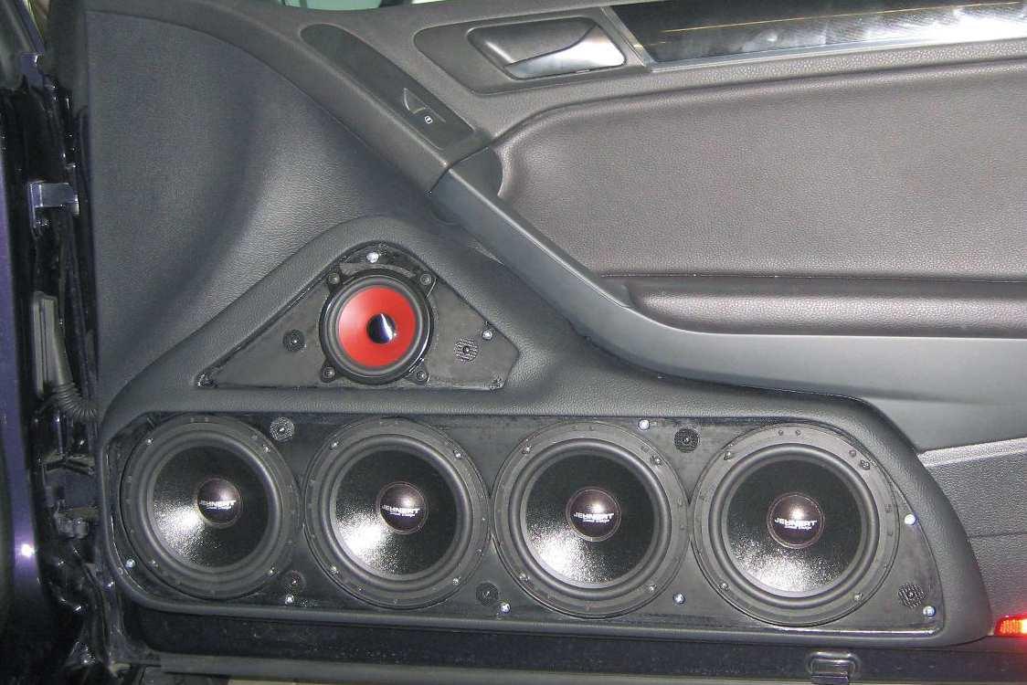 vw golf 6 cabrio doorboards mit 3 wege soundsystem. Black Bedroom Furniture Sets. Home Design Ideas